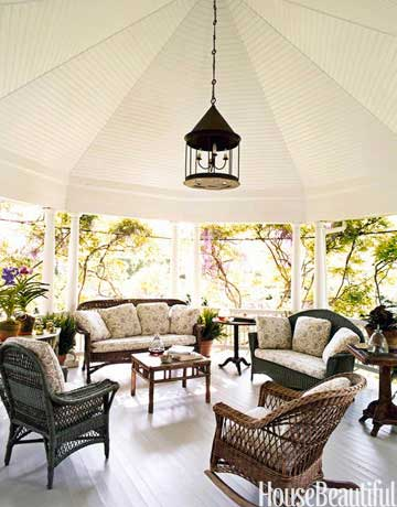 Living outdoors bringing the inside out adrian zorzi for Beautiful garden rooms